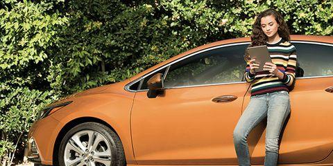 Motor vehicle, Automotive design, Vehicle, Land vehicle, Alloy wheel, Rim, Jeans, Car, Vehicle door, Automotive exterior,