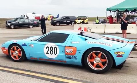 Watch a Twin-Turbo Ford GT Rocket from Zero to 294 MPH in One Mile