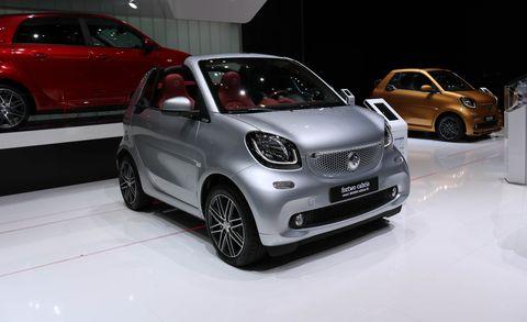 Land vehicle, Vehicle, Car, Motor vehicle, City car, Auto show, Subcompact car, Automotive design, Hatchback, Compact car,