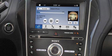 Electronic device, Vehicle audio, Technology, Center console, Electronics, Luxury vehicle, Machine, Multimedia, Display device, Silver,