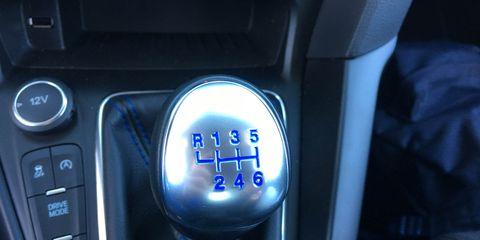 Blue, Electric blue, Gear shift, Vehicle audio, Machine, Luxury vehicle, Personal luxury car, Center console, Multimedia, Electronics,