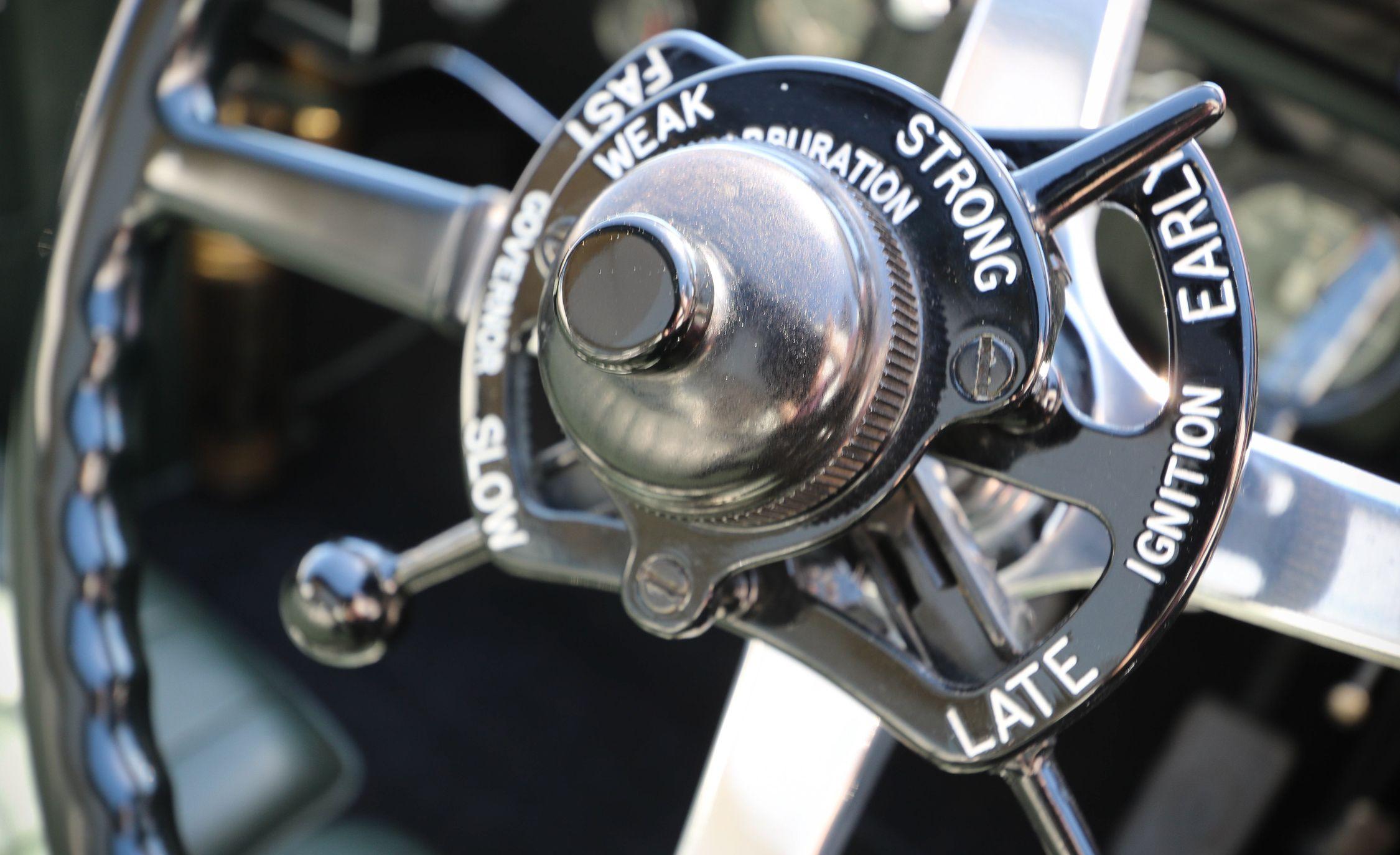 Seven Historic Rolls Royce Phantoms To Greet Phantom Viii News Car And Driver