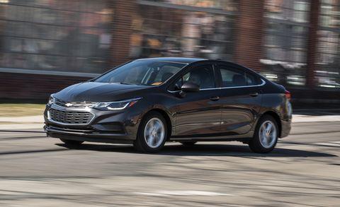 Land vehicle, Vehicle, Car, Mid-size car, Executive car, Automotive design, Sedan, Compact car, Family car, Full-size car,