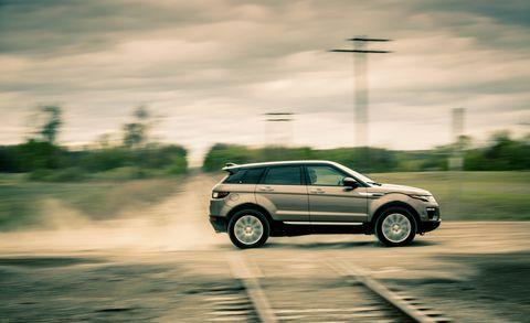 Land vehicle, Vehicle, Car, Range rover evoque, Sport utility vehicle, Range rover, Automotive design, Compact sport utility vehicle, Compact car, Crossover suv,