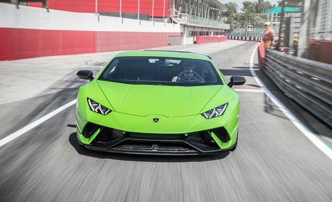 Land vehicle, Vehicle, Car, Supercar, Sports car, Automotive design, Green, Lamborghini, Yellow, Performance car,