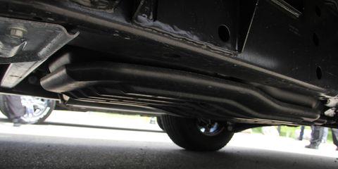 Automotive tire, Automotive exterior, Synthetic rubber, Fender, Tread, Automotive wheel system, Rim, Auto part, Bumper, Bumper part,