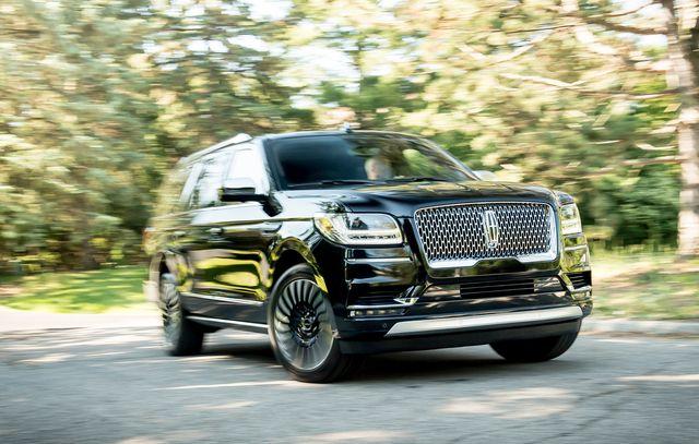 land vehicle, vehicle, car, automotive design, sport utility vehicle, luxury vehicle, grille, automotive wheel system, compact sport utility vehicle, automotive tire,