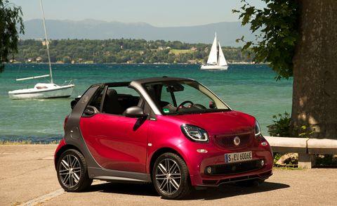 Land vehicle, Vehicle, Car, Motor vehicle, City car, Hatchback, Subcompact car, Automotive design, Compact car, Automotive wheel system,