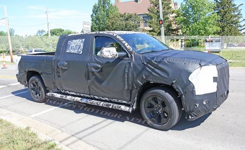 Land vehicle, Vehicle, Car, Automotive tire, Pickup truck, Motor vehicle, Tire, Rim, Automotive exterior, Bumper,