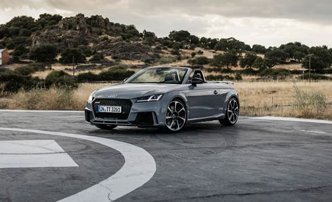 Land vehicle, Vehicle, Car, Automotive design, Audi, Wheel, Audi tt, Personal luxury car, Sports car, Rim,