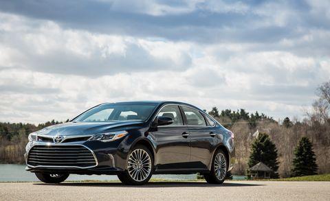 Land vehicle, Vehicle, Car, Mid-size car, Automotive design, Sedan, Sky, Executive car, Lexus, Compact car,