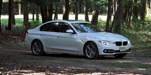 Land vehicle, Vehicle, Car, Alloy wheel, Personal luxury car, Luxury vehicle, Rim, Bmw, Wheel, Mid-size car,