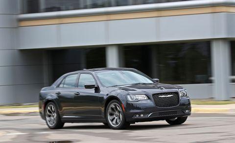 Land vehicle, Vehicle, Car, Full-size car, Luxury vehicle, Executive car, Mid-size car, Alloy wheel, Automotive tire, Rim,