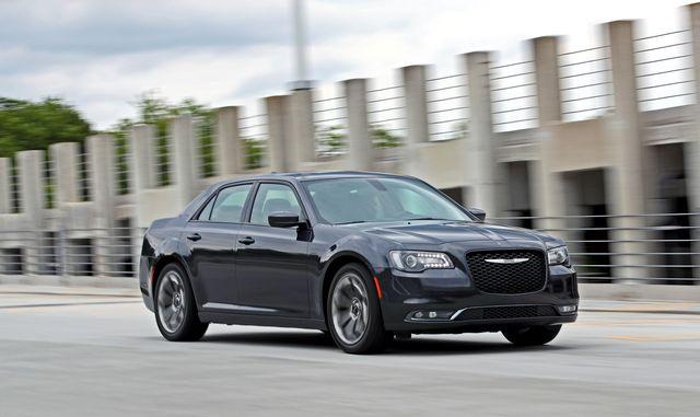 land vehicle, vehicle, car, luxury vehicle, automotive design, full size car, mid size car, personal luxury car, sedan, rim,
