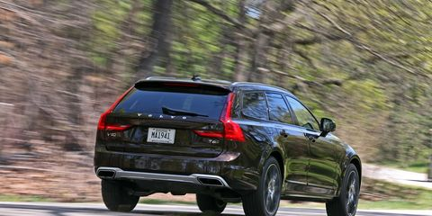 Land vehicle, Vehicle, Car, Automotive design, Motor vehicle, Mid-size car, Automotive tire, Sport utility vehicle, Tire, Audi,