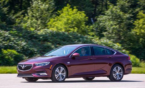 Land vehicle, Vehicle, Car, Mid-size car, Automotive design, Full-size car, Luxury vehicle, Sedan, Personal luxury car, Family car,