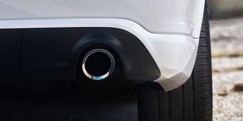 Tire, Alloy wheel, Wheel, Automotive tire, Vehicle, Auto part, Automotive exterior, Bumper, Car, Rim,
