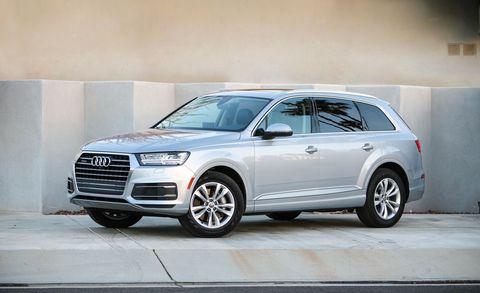 Land vehicle, Vehicle, Car, Audi, Motor vehicle, Automotive tire, Automotive design, Tire, Alloy wheel, Sport utility vehicle,