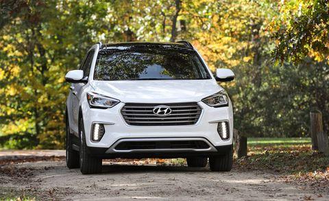 Land vehicle, Vehicle, Car, Hyundai, Automotive design, Motor vehicle, Mini SUV, Sport utility vehicle, Crossover suv, Sky,