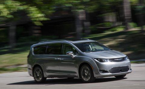 Land vehicle, Vehicle, Car, Minivan, Honda, Compact mpv, Family car, Automotive design, Subcompact car, Honda odyssey,