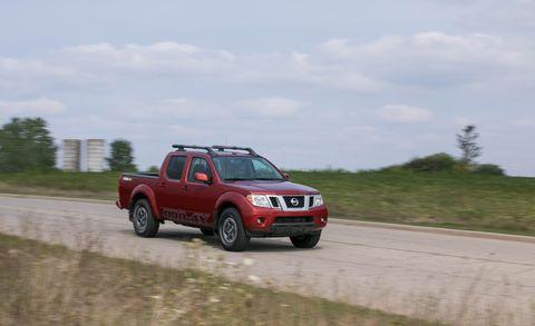 Land vehicle, Vehicle, Car, Pickup truck, Regularity rally, Nissan navara, Truck, Automotive tire, Nissan, Terrain,
