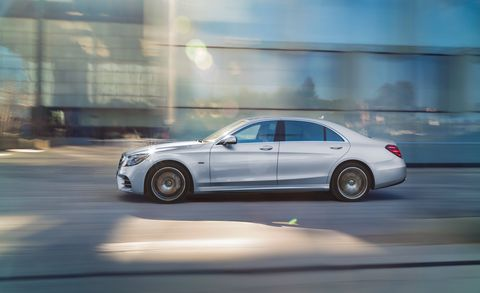 Land vehicle, Vehicle, Car, Luxury vehicle, Personal luxury car, Alloy wheel, Rim, Wheel, Automotive design, Mercedes-benz,