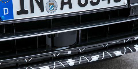 Automotive exterior, Grille, Bumper, Vehicle, Car, Auto part, Vehicle registration plate, Automotive fog light, Wheel,