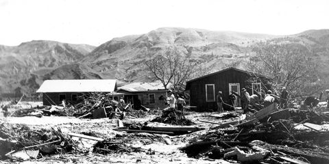 Geological phenomenon, House, Shack, Black-and-white, Rural area, Home, Hut, Landscape, Mountain, Building,