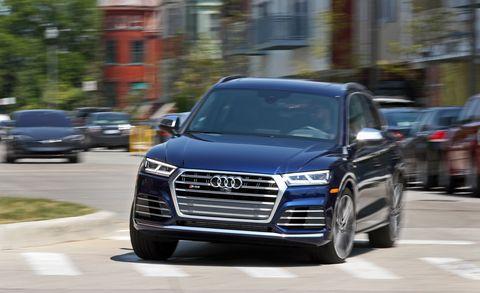 Land vehicle, Vehicle, Car, Automotive design, Audi, Sport utility vehicle, Luxury vehicle, Audi q7, Family car, Executive car,