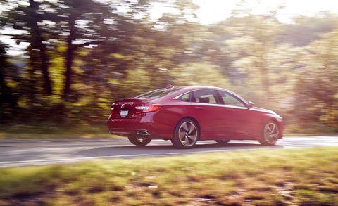 Land vehicle, Vehicle, Car, Mid-size car, Automotive design, Full-size car, Family car, Sedan, Sports sedan, Rim,