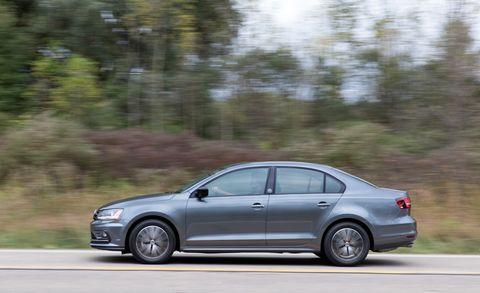 Land vehicle, Vehicle, Car, Full-size car, Mid-size car, Volkswagen, Automotive design, Family car, Sedan, Volkswagen jetta,