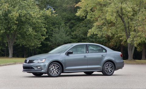 Land vehicle, Vehicle, Car, Mid-size car, Alloy wheel, Full-size car, Volkswagen, Sedan, Automotive design, Volkswagen jetta,