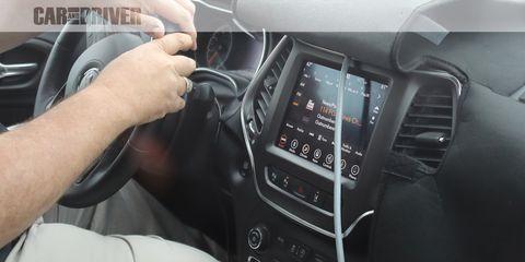 Motor vehicle, Electronics, Vehicle, Car, Multimedia, Center console, Automotive design, Mid-size car, Technology, Vehicle audio,
