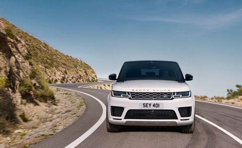 Land vehicle, Vehicle, Car, Sport utility vehicle, Range rover, Automotive design, Compact sport utility vehicle, Grille, Range rover evoque, Automotive wheel system,