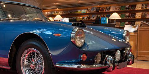 Land vehicle, Vehicle, Car, Classic car, Regularity rally, Coupé, Convertible, Sports car, Sedan, Antique car,