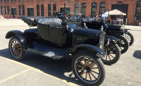 Land vehicle, Vehicle, Car, Vintage car, Motor vehicle, Antique car, Classic, Classic car, Ford, Rim,