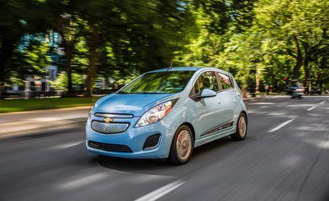 Land vehicle, Vehicle, City car, Car, Chevrolet spark, Motor vehicle, Chevrolet, Hatchback, Automotive design, Compact car,