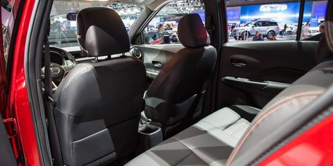 Motor vehicle, Mode of transport, Automotive design, Vehicle, Automotive mirror, Transport, Vehicle door, Car, Car seat, Steering wheel,