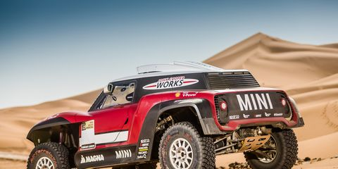 Land vehicle, Vehicle, Off-road racing, Automotive tire, Car, Rally raid, Off-roading, Desert racing, Off-road vehicle, Tire,
