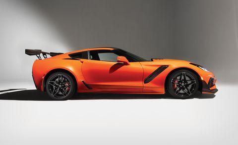 Land vehicle, Vehicle, Car, Sports car, Automotive design, Corvette stingray, Supercar, Performance car, Coupé, Chevrolet corvette,