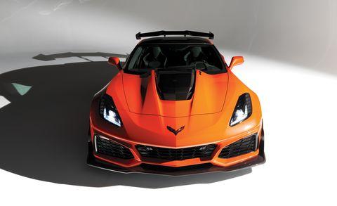 Land vehicle, Vehicle, Car, Sports car, Automotive design, Supercar, Performance car, Bumper, Hood, Automotive lighting,