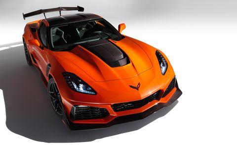 Land vehicle, Vehicle, Car, Sports car, Automotive design, Supercar, Performance car, Hood, Coupé, Corvette stingray,