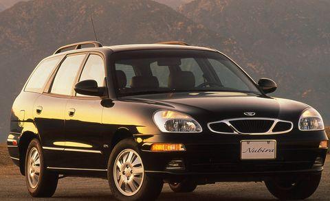 Land vehicle, Vehicle, Car, Motor vehicle, Mid-size car, Compact car, Full-size car, Daewoo nubira, Hood, Family car,