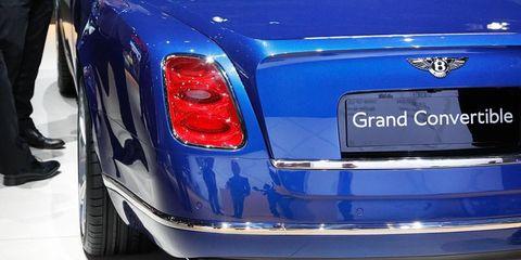 Land vehicle, Vehicle, Car, Luxury vehicle, Bentley, Sedan, Bentley mulsanne, Coupé, Bentley continental flying spur, Bentley continental supersports,