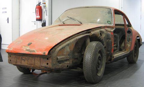 Land vehicle, Vehicle, Car, Regularity rally, Coupé, Classic car, Fender, Sports car, Sedan, Hardtop,