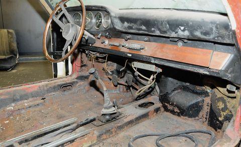 Motor vehicle, Vehicle, Car, Rust, Automotive exterior, Auto part, Scrap,