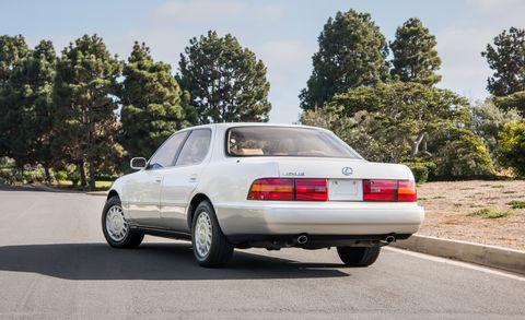 Land vehicle, Vehicle, Car, Luxury vehicle, Full-size car, Sedan, Notchback, Personal luxury car, Coupé, Classic car,