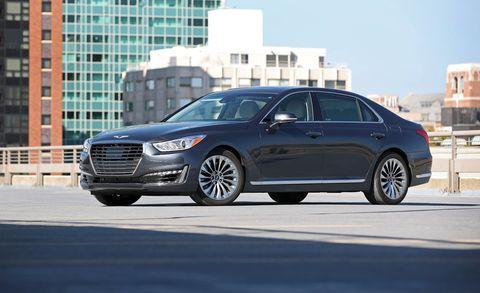 Tire, Wheel, Automotive design, Vehicle, Alloy wheel, Land vehicle, Rim, Car, Full-size car, Personal luxury car,