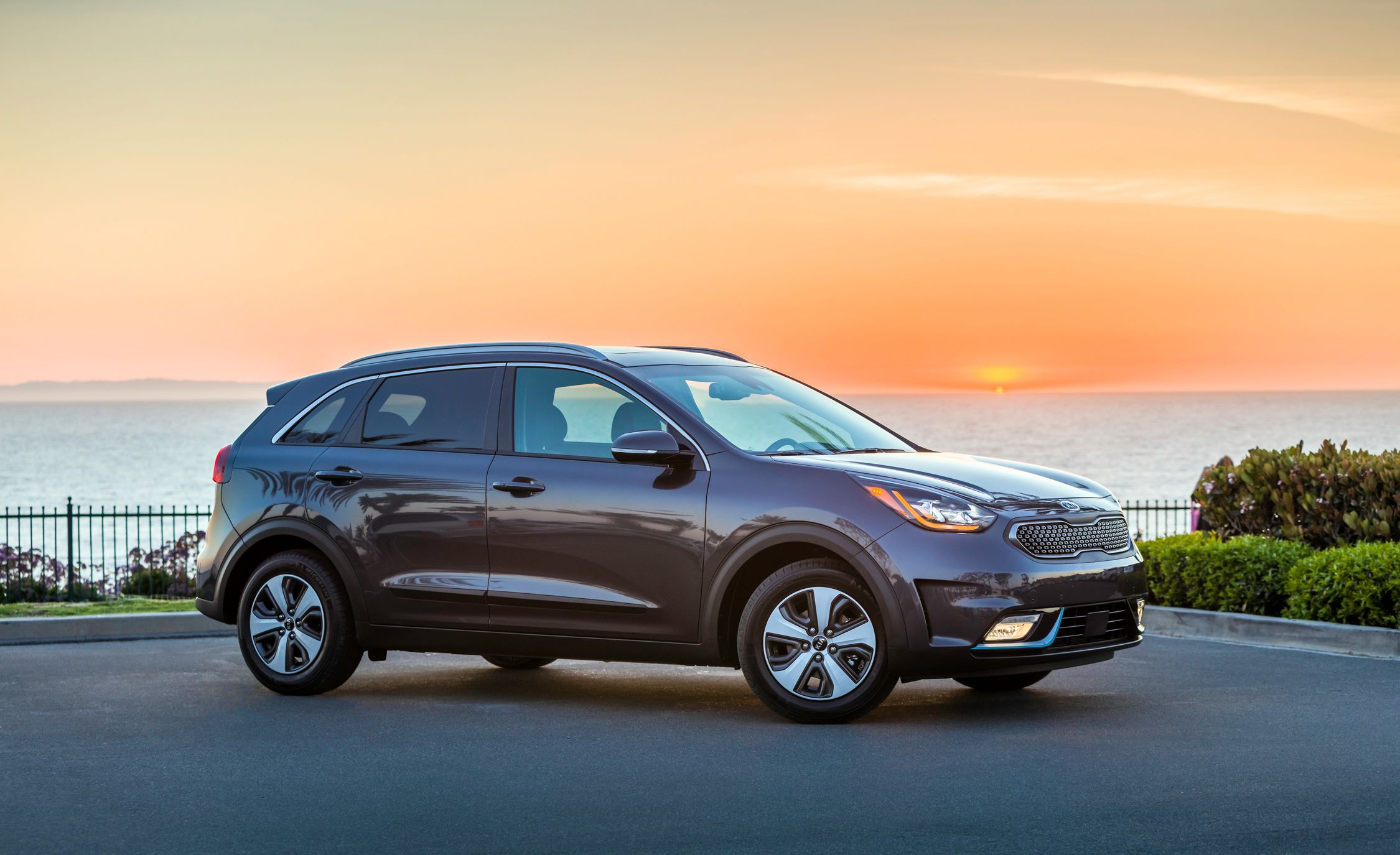 2019 Kia Niro Reviews Price Photos And Specs Car Driver