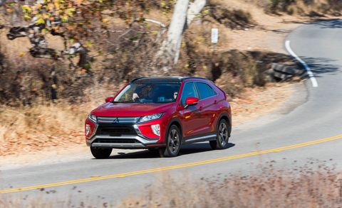 Land vehicle, Vehicle, Car, Mid-size car, Sport utility vehicle, Mitsubishi outlander, Compact sport utility vehicle, Mitsubishi, Crossover suv, Ford motor company,